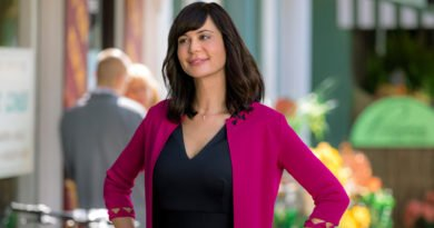Catherine Bell is back to help reverse a curse in 'Good Witch: Spellbound'