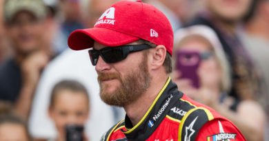 Dale Earnhardt Jr. among honorees at NASCAR Cup Series Awards