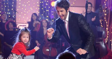 'A Home for the Holidays With Josh Groban' gives voice to foster children