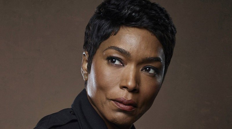 When '9-1-1's' Angela Bassett hit the firing range