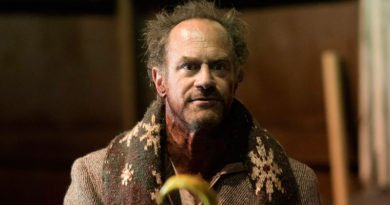 Christopher Meloni deals with the ghosts from his past in 'Happy!'