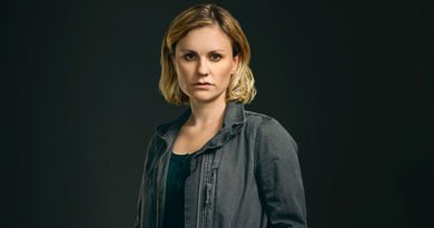 Anna Paquin probes a crime in 'Bellevue'