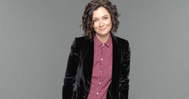More than Darlene: Sara Gilbert helps drive 'Roseanne'
