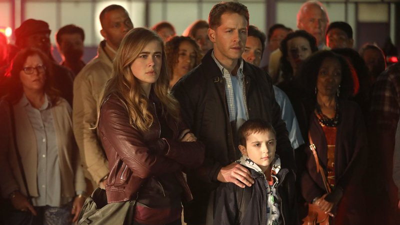 'Manifest: (from left) Melissa Roxburgh as Michaela Stone, Josh Dallas as Ben Stone, Jack Messina as Cal Stone -- (Photo by: Craig Blankenhorn/NBC/Warner Brothers | 2018 NBCUniversal Media, LLC}