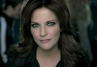 Martina McBride's swingin' Christmas