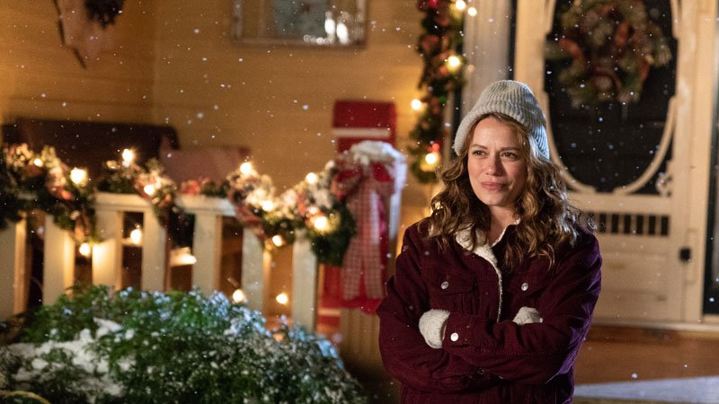 bethany joy lenz joins lifetimes one tree hill holiday parade