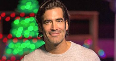 'The Great Christmas Light Fight' – Series takes Oosterhouse back