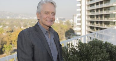 'The Kominsky Method' – Michael Douglas recalls 'mentor' Karl Malden