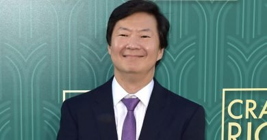 Ken Jeong tries to help reveal 'The Masked Singer'