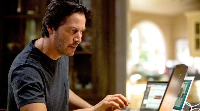 Keanu Reeves is still the real deal in 'Replicas'