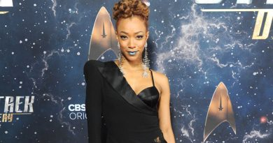 Sonequa Martin-Green continues her discovery of 'Star Trek: Discovery'