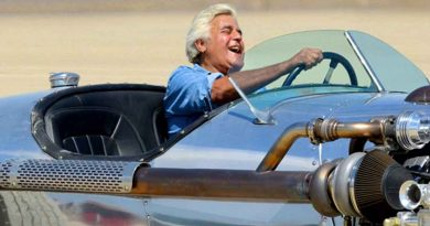 Celebs go riding in cars with the host as 'Jay Leno's Garage' returns for Season 5