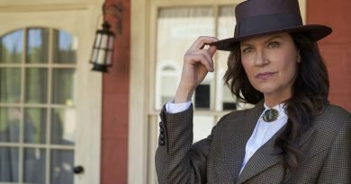 'Hope Calls' for Wendy Crewson in 'When Calls the Heart' spinoff