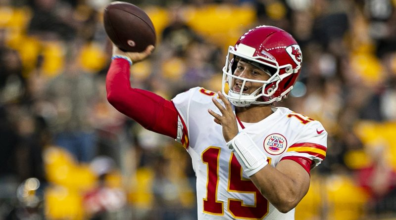 Mahomes does the no-look and the Chiefs prosper