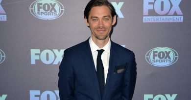 'The Walking Dead' alum Tom Payne goes dark again in 'Prodigal Son'