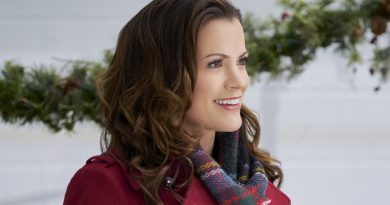 Melissa Claire Egan helps stage a 'Holiday for Heroes'