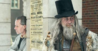 Guy Pearce is Scrooge in FX's new 'A Christmas Carol'