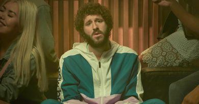 Dave Burd, alias Lil Dicky, keeps on rapping in 'Dave'