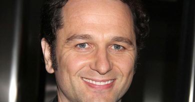 Matthew Rhys is determined to be his own 'Perry Mason'