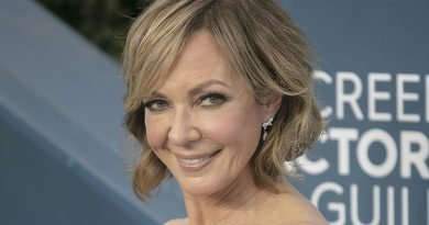 Allison Janney is still glad to be a 'Mom'