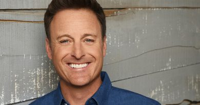 Chris Harrison enjoys revisiting past 'Bachelor' rounds