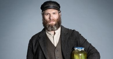 Seth Rogen is in 'An American Pickle' on HBO Max