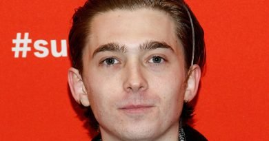 'Chemical Hearts' – Austin Abrams' chemistry with co-star