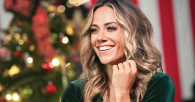 Jana Kramer has 'A Welcome Home Christmas'
