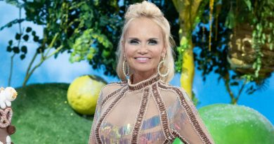 Kristin Chenoweth knows how the game is played in 'Candy Land'