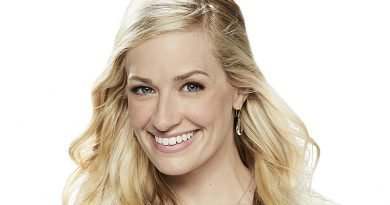 'The Neighborhood' co-star Beth Behrs is tuned into 'Harmonics'
