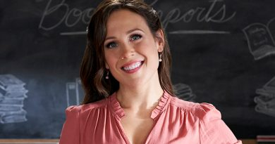 Hallmark Channel is still where the 'Heart' is for Erin Krakow