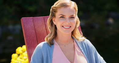 Cindy Busby goes 'Chasing Waterfalls'