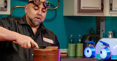 Goldman explains the science behind cooking and baking on 'Duff's Happy Fun Bake Time'