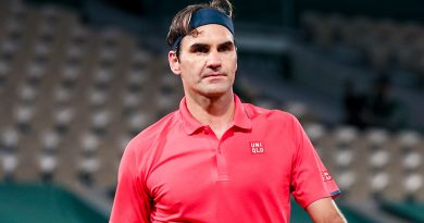 Federer returns to Wimbledon, perhaps for the last time