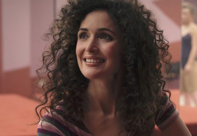 'Physical' – Rose Byrne as a woman of the '80s