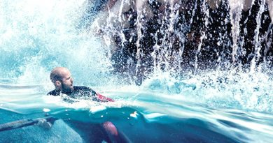 'The Meg' tries to put teeth back in shark movies